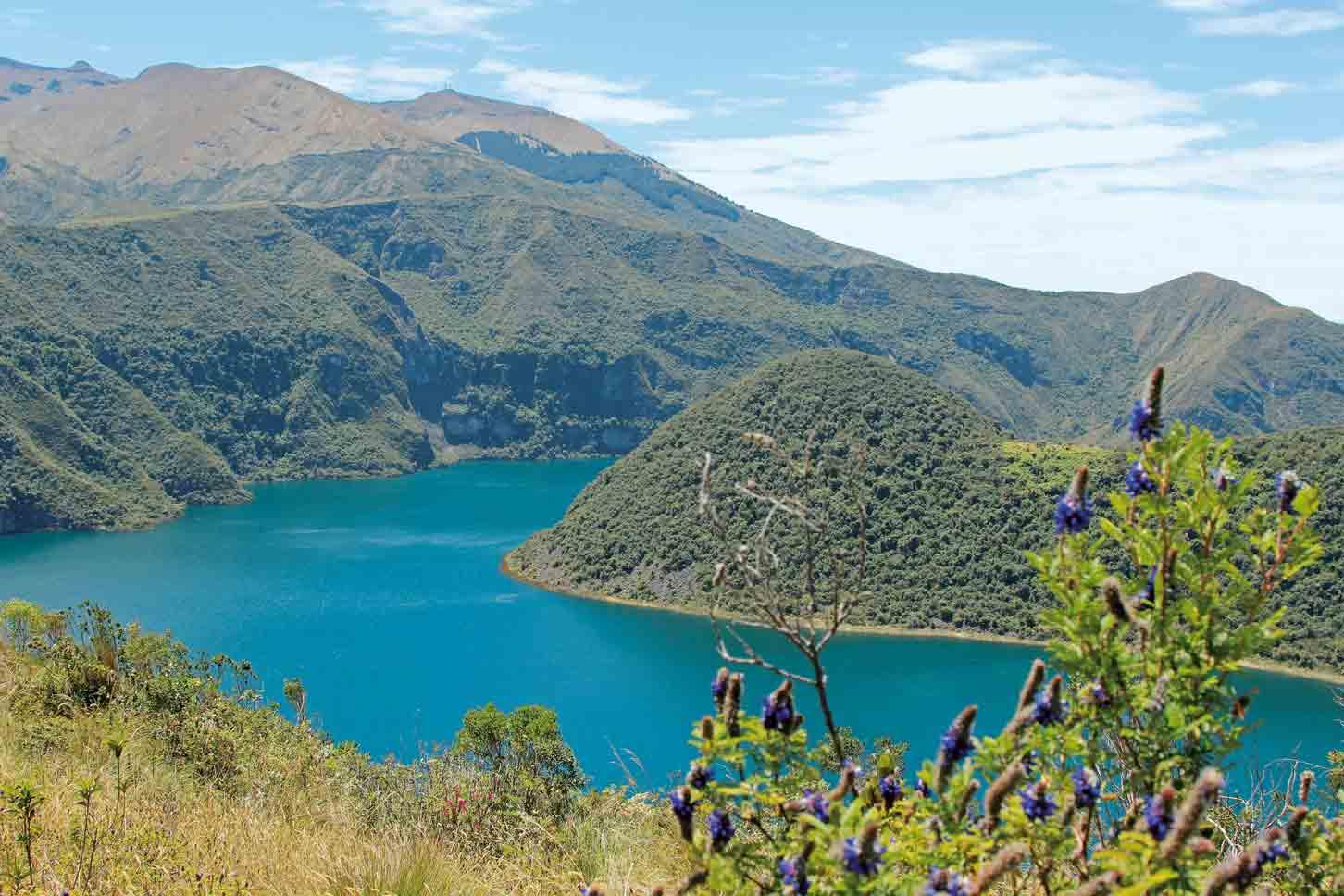 Wanderung am Cuicocha-Kratersee, Ecuador
