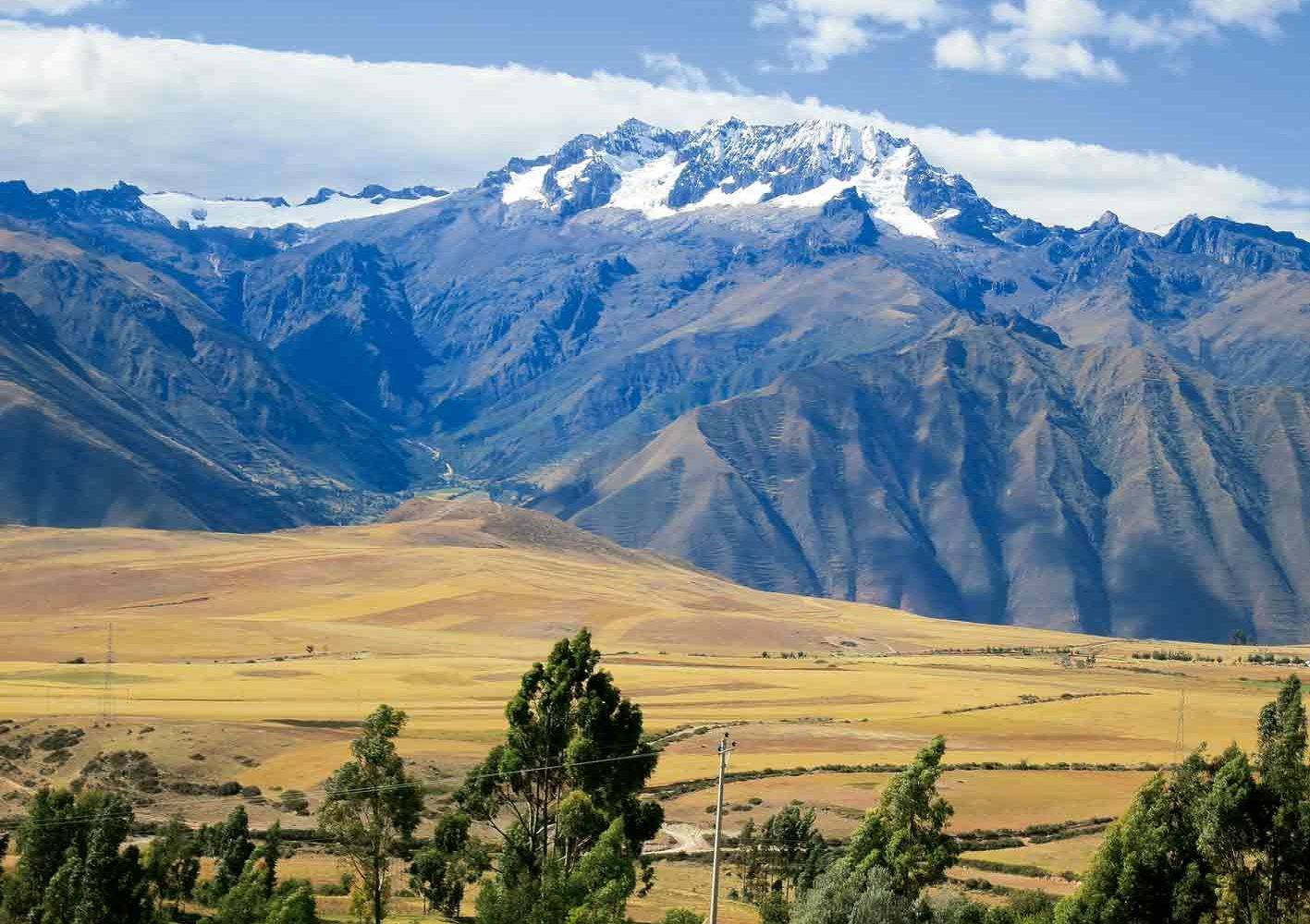 Sicht auf die schneebedeckten Anden, Peru