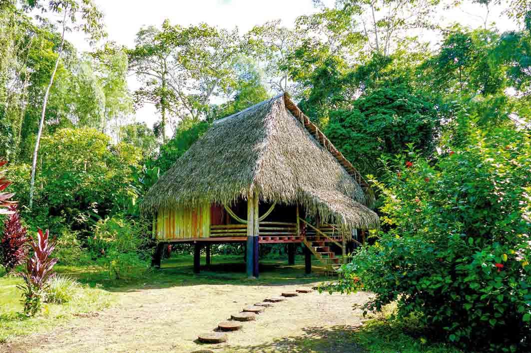 Ecuador Urwald-Lodge: Sie wohnen in Bungalows, die im Secoya-Stil erbaut sind.