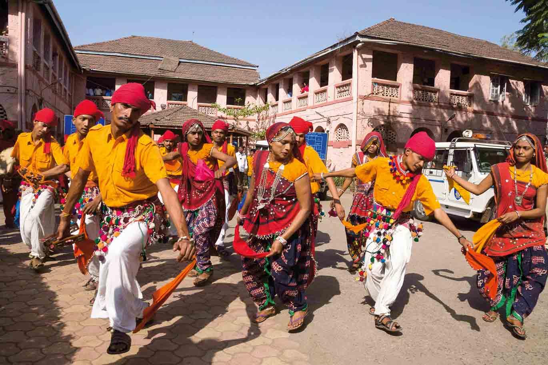 Tänzer auf dem Dang Darbar Festival, Indien