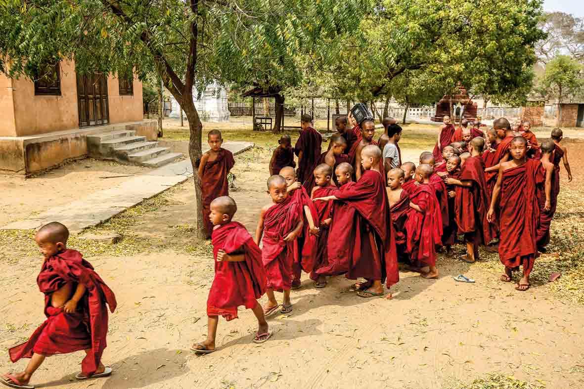 Junge Mönche in Myanmar