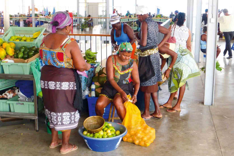 Wir besuchen farbenfrohe Märkte, Cabo Verde