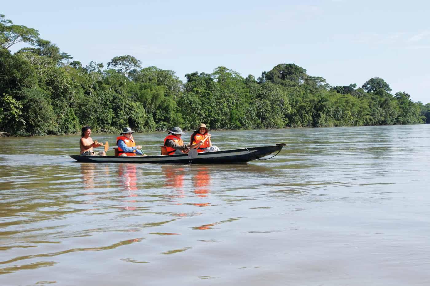 Kanu-Ausflug im Urwald Ecuadors