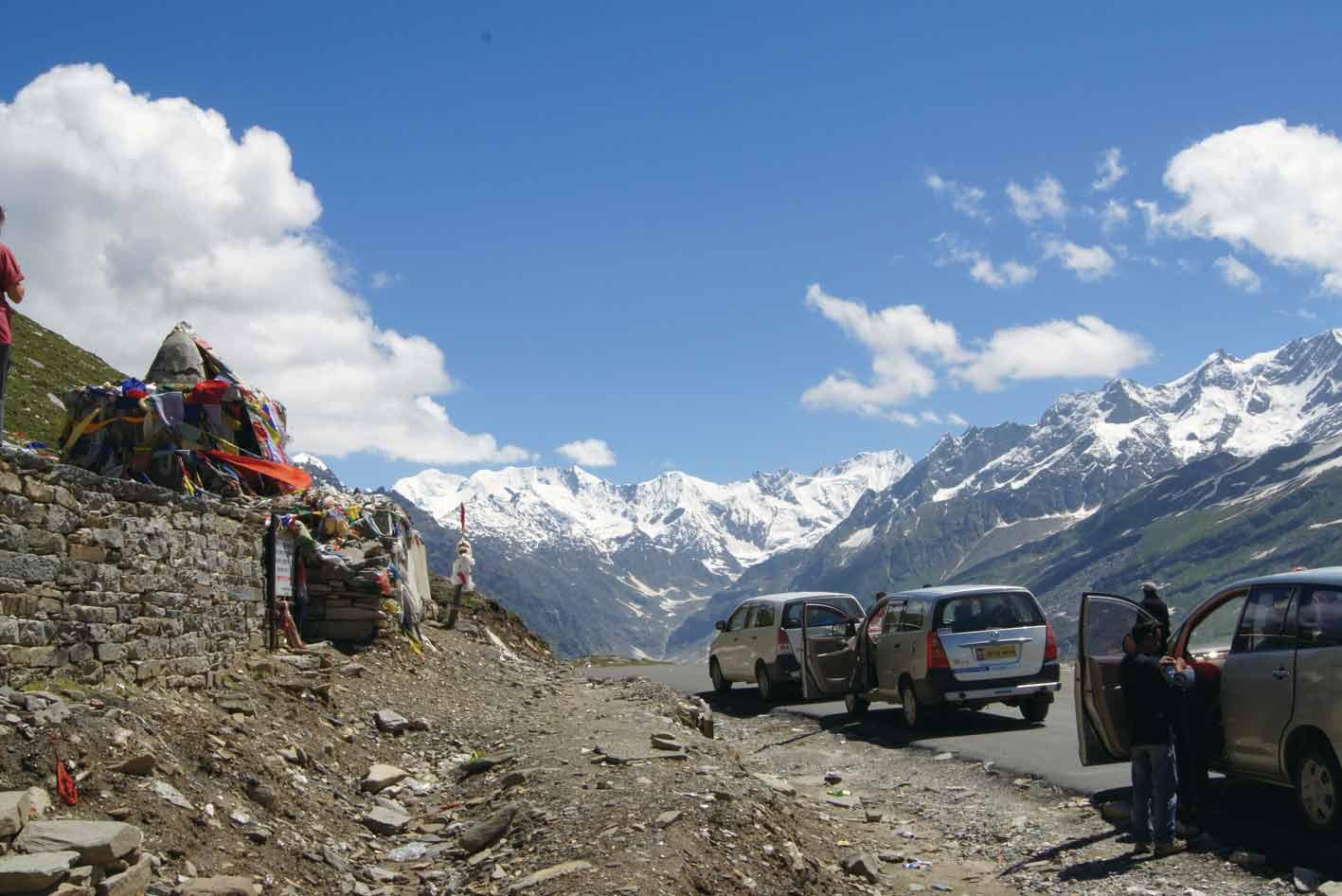 Auf dem Rohtang-La: Pro Fahrzeug reisen nur drei Gäste