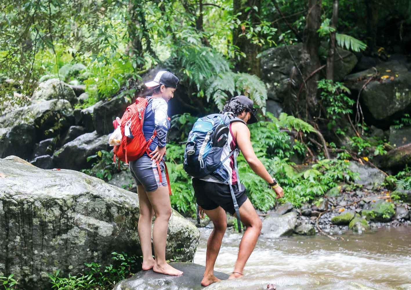 Indonesien: Flussdurchquerung auf Lombok