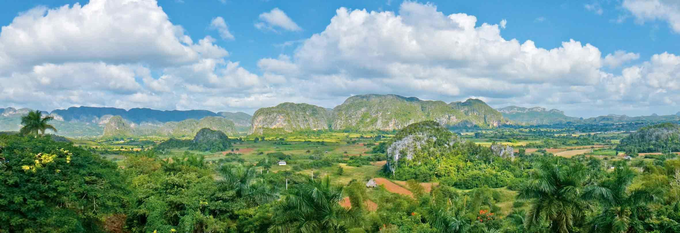 Ausblick auf die Mogotes im Viñales-Tal, Kuba