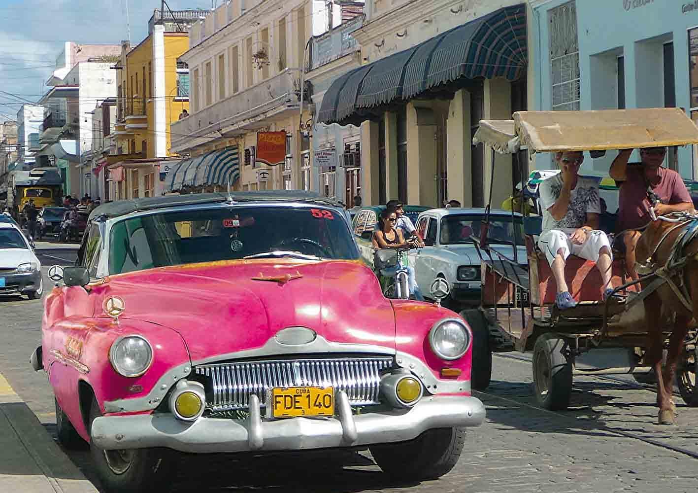 Oldtimer in den Gassen von Havanna, Kuba