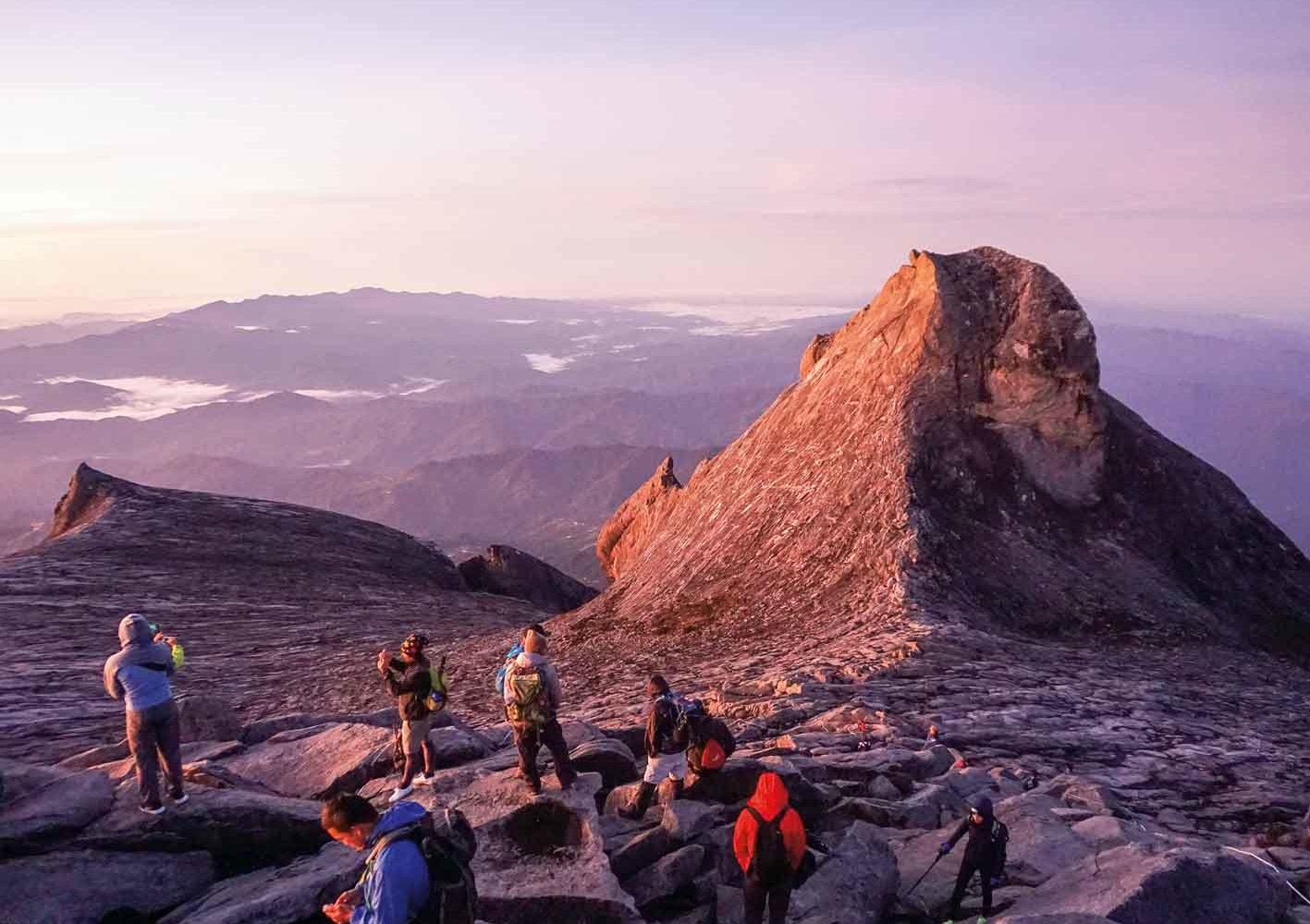 Freiweillige Besteigung des Mount Kinabalu, Borneo, Malaysia