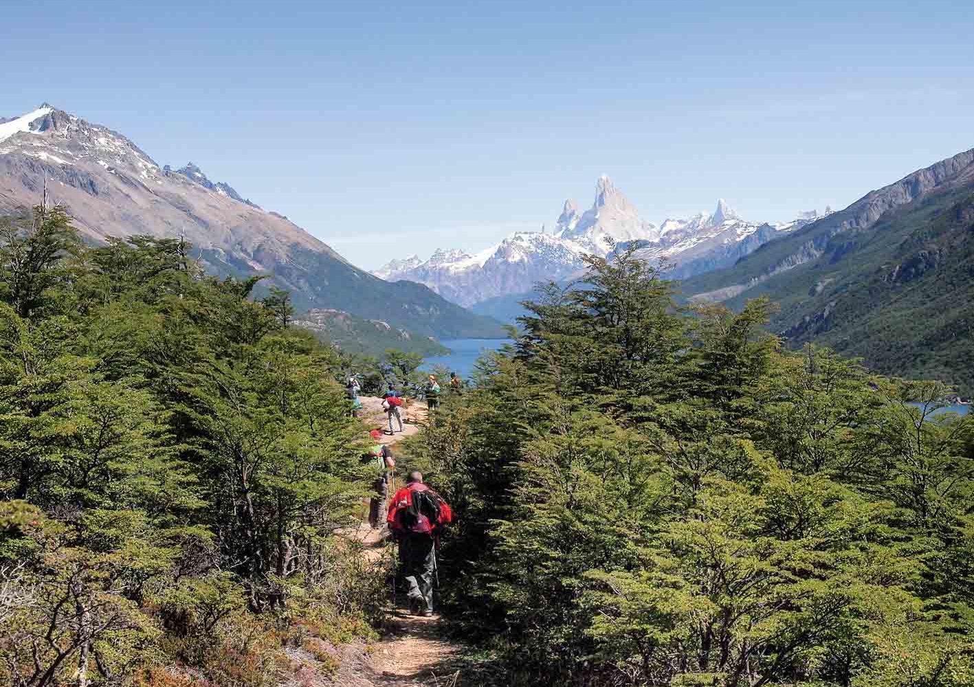 Wanderung zum Lago del Desierto, im Hintergrund thront der Fitz Roy, Chile