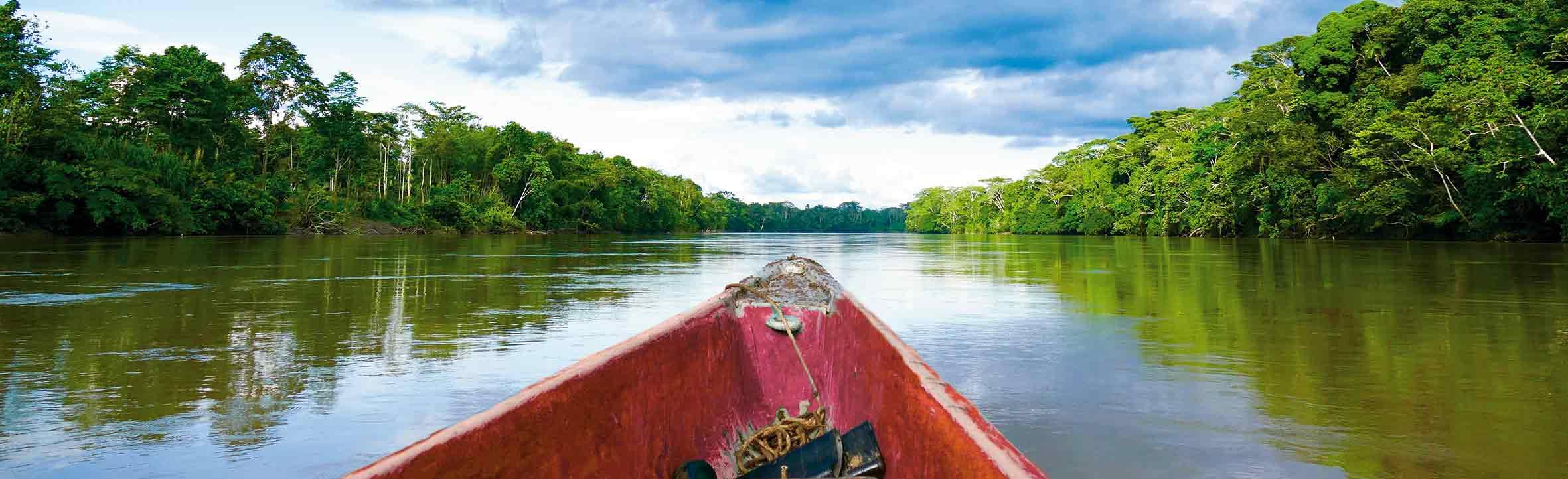 Bootsfahrt im Urwald von Ecuador