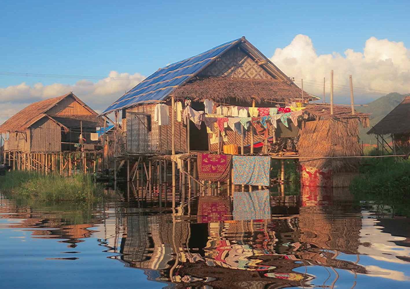 Häuser auf Stelzen im Inle-See, Myanmar