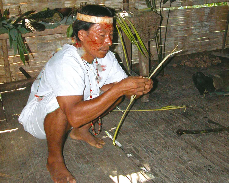 Schamane im Urwald Ecuadors