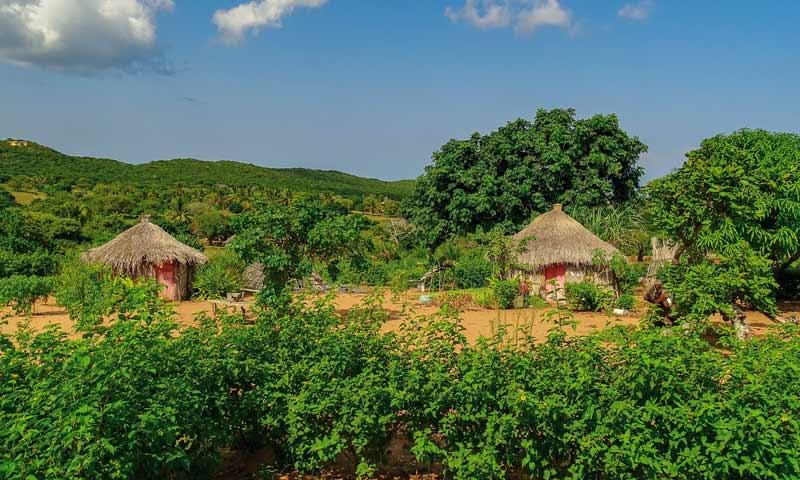 Dorf am Nhambavale-See, Mozambique