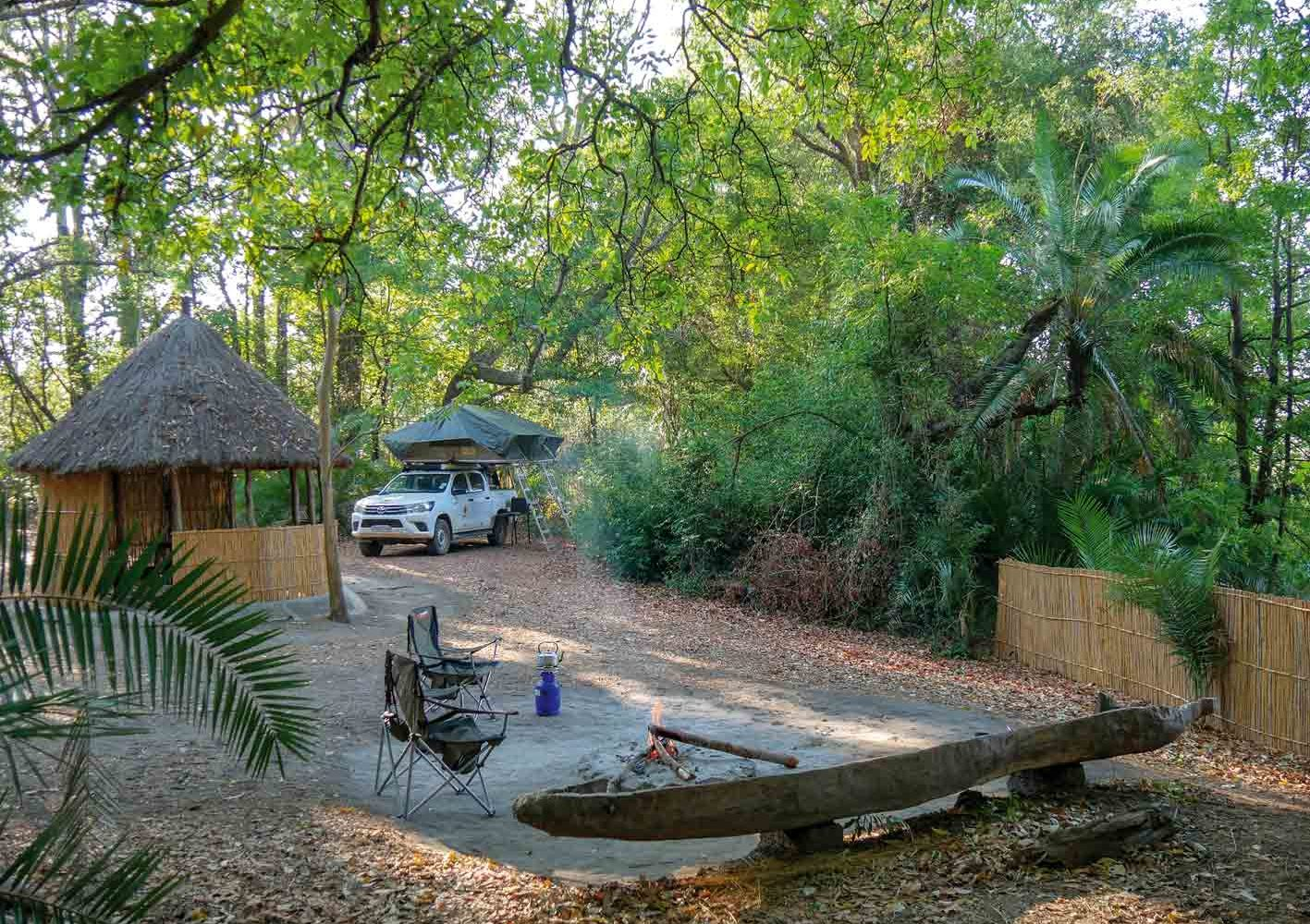 Camping-Leben während der 4x4-Selbstfahrer-Safari in Zambia