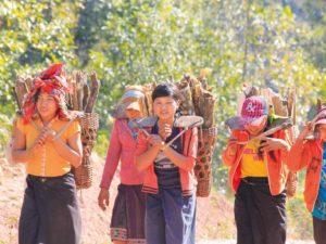 Stammesangehörige im Hochland von Laos