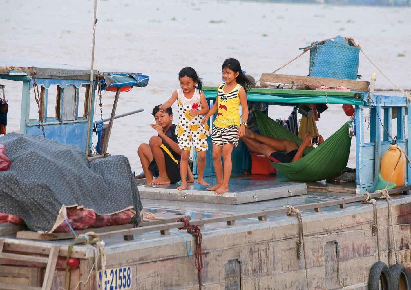 Oft spielt sich das Leben der Vietnamesen auf dem Wasser ab.