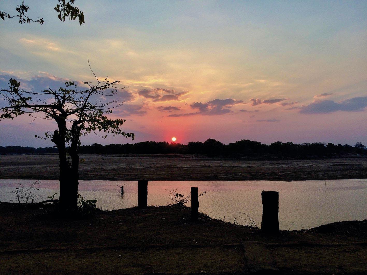 Sonnenuntergang in Zambia, Safari-Reise