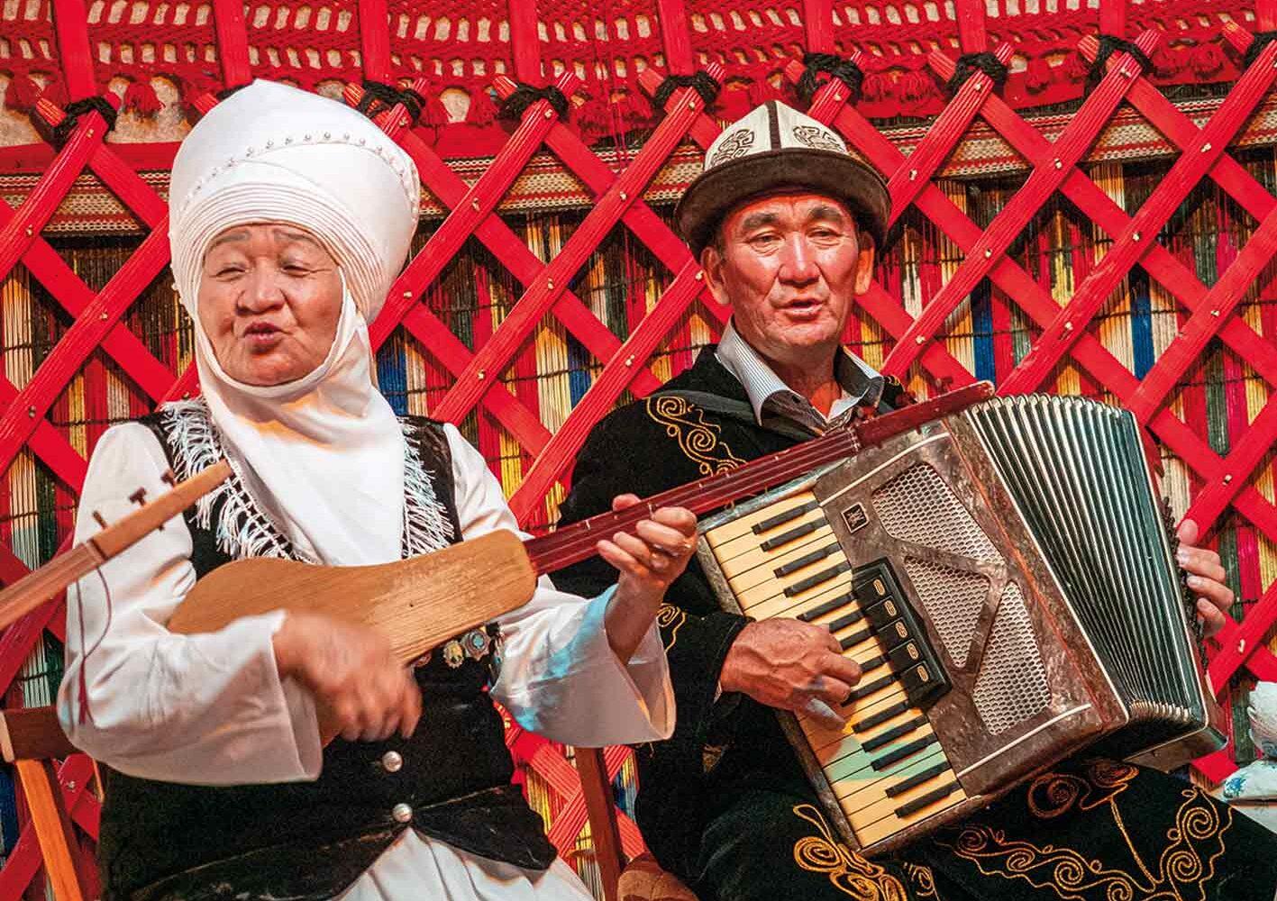 Folklore-Vorführung in Kirgisien